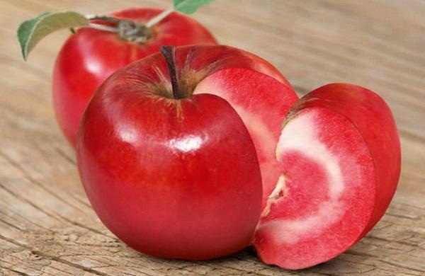 Red love apple tagliata da bardingardenstore.it