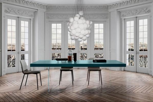 Tavolo sospeso Air in vetro colorato - Design e foto by Lago