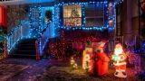 Luci natalizie in giardino