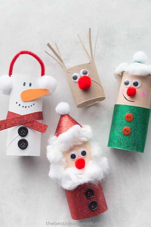 Decorazioni natalizie con rotolo di carta igienica: pupazzetti, da thebestideasforkids.com