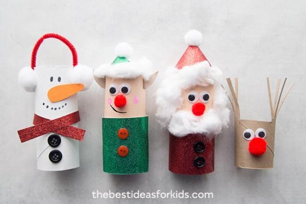Decorazioni natalizie: pupazzetti di carta igienica, da thebestideasforkids.com