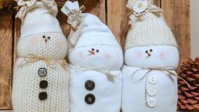 Addobbi natalizi col riciclo creativo di vecchi maglioni di lana