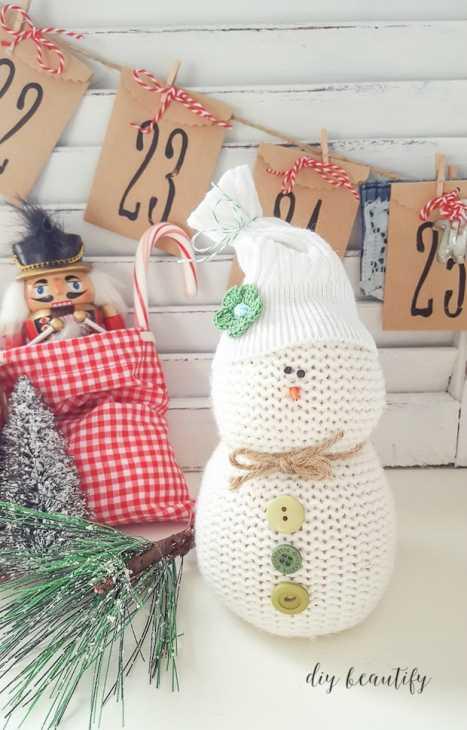 Addobbi natalizi fai da te con maglioni: pupazzo di neve, parte 3, da diybeautify.com