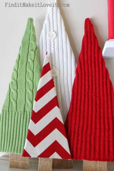 Addobbi natalizi con vecchi maglioni: alberelli, da finditmakeitloveit.com