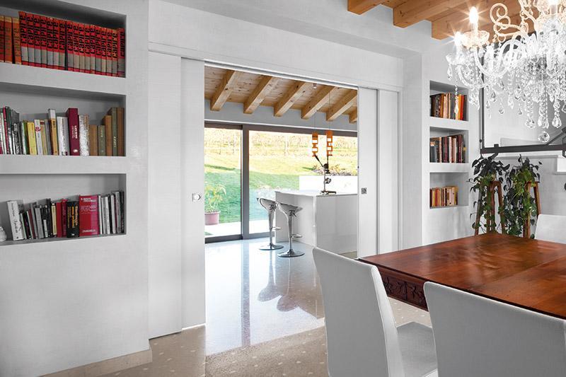 Choice of subframe for sliding doors