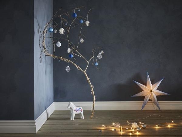 Che ne dite di un semplice ramo, da Ikea