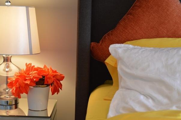 Un tocco floreale nella stanza degli ospiti