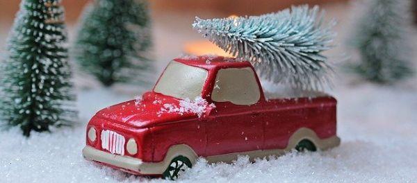 Preparazione addobbi Natale