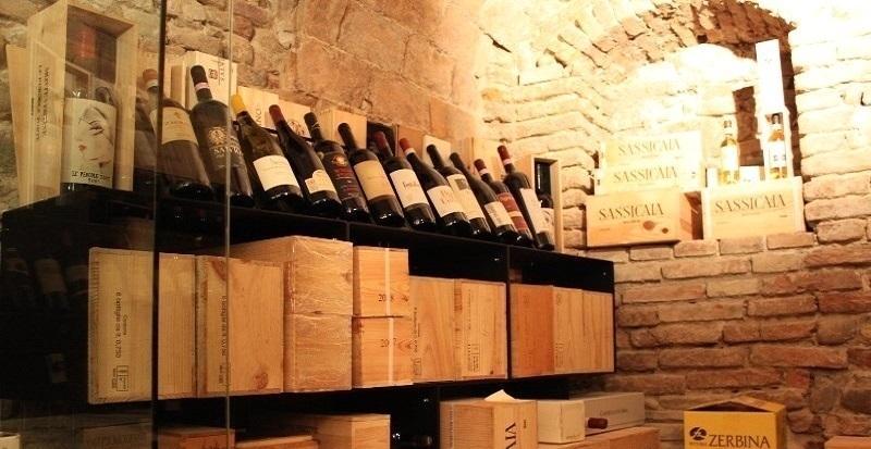 Cantina in casa - espositore vino Esigo