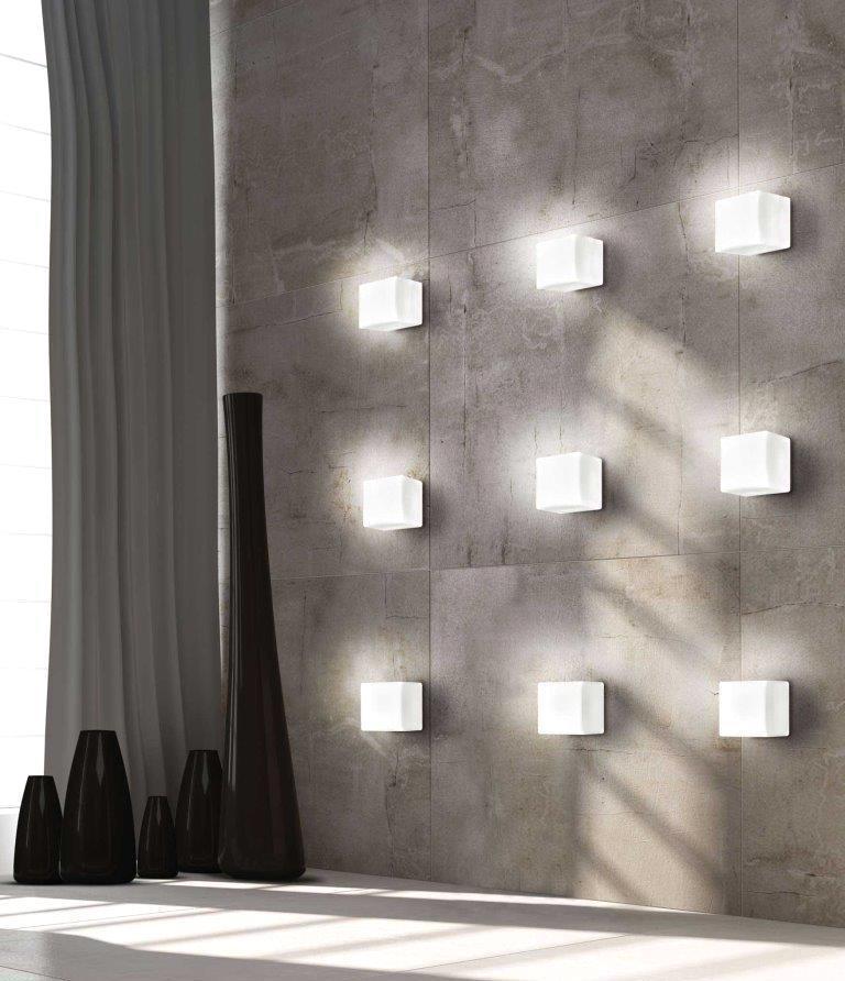Illuminazione parete ingresso - Cubi Leucos