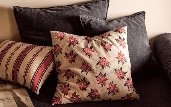 Cuscino con stelle di Natale - Collezione natalizia Zara Home