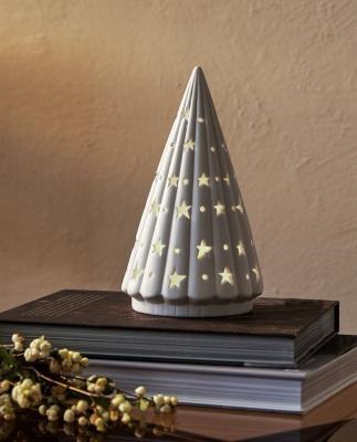 Collezione natalizia Zara Home: lampada a forma di albero