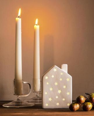 Collezione natalizia Zara Home: lampada a forma di casetta con stelle