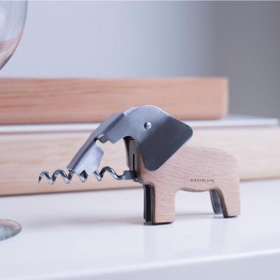 Cavatapopi a forma di elefante Kikkerland.com