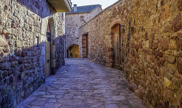 Le case dei vecchi borghi sono spesso pregevoli