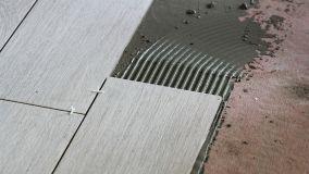 Guida alla corretta posa dei pavimenti di piastrelle