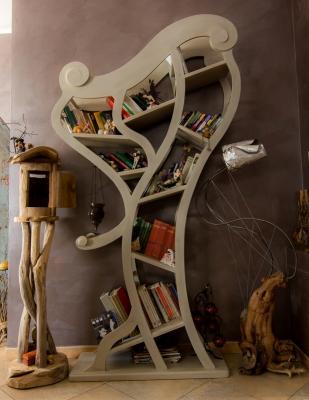 Libreria surrealista di MobiliStorti