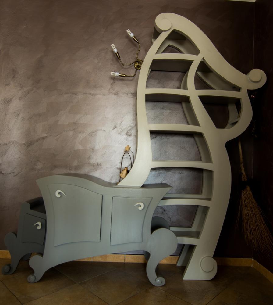 Librieria-consolle surrealista by Giuseppe Bruno per MobiliStorti