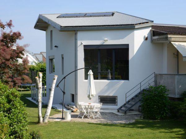 Casa prefabbricata in cemento naturale Sarotto