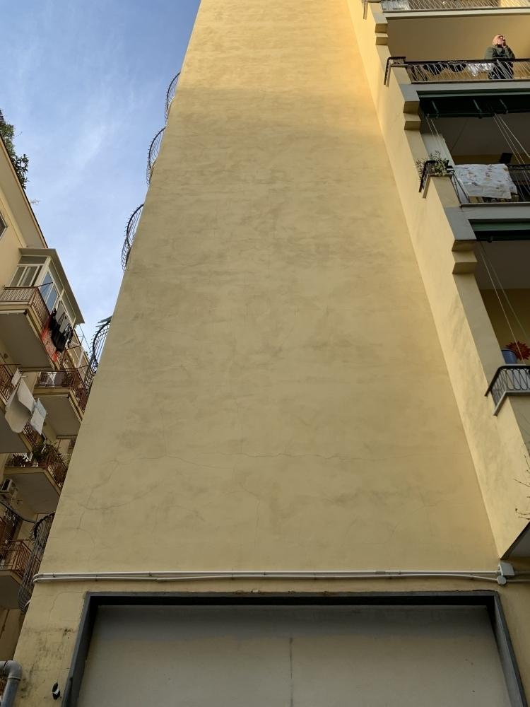 Crepe da dilatazioni termiche in facciata