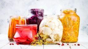 Come preparare le verdure fermentate: procedura e accessori