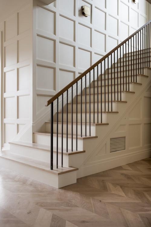 Boiserie nelle scale di Homsqr