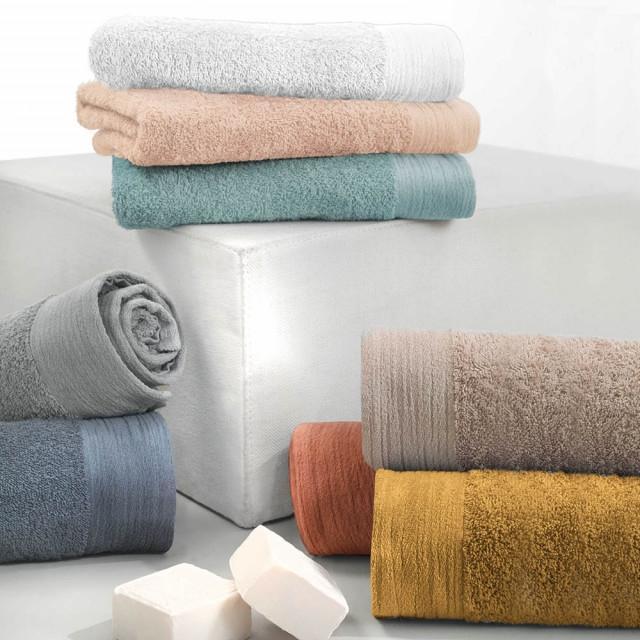 Asciugamani da bagno in spugna colorati, da Gabel