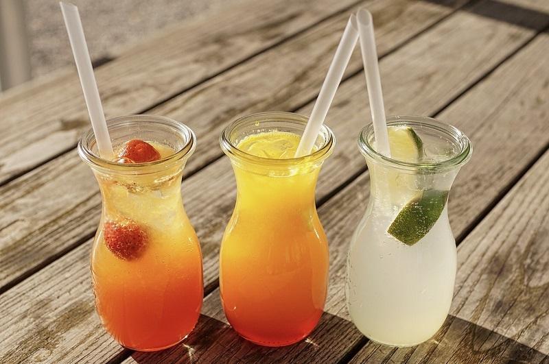 Bicchieri di ogni forma per servire i cocktail