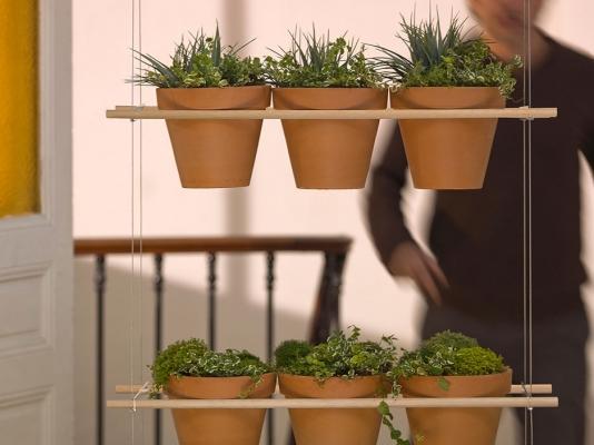 Muro vegetale con portavasi di design, da Compagnie