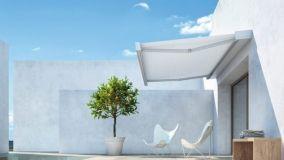 Schermare finestre, balconi e terrazzi con tende da sole per esterni