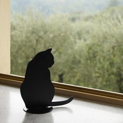 Soprammobili di design a forma di gatto, da Opinion Ciatti