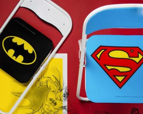 Sedie pieghevoli con marchi di supereroi di Excelsa