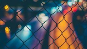 Recinzioni di rete metallica: caratteristiche ed esecuzione