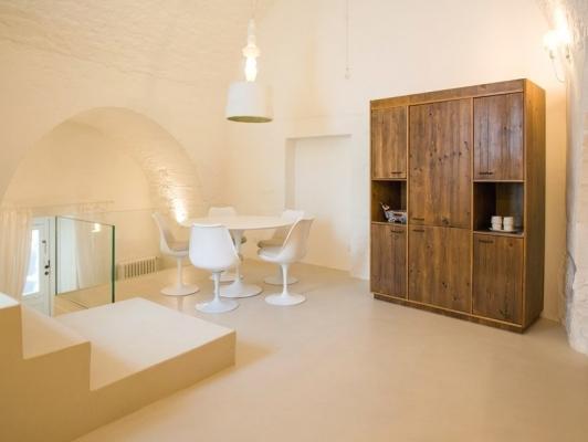 Ridistribuire spazi casa: pavimento resina Arteviva