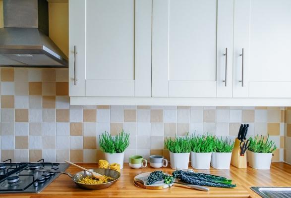 Rivestimento per pareti cucina con mattonelle in cotto