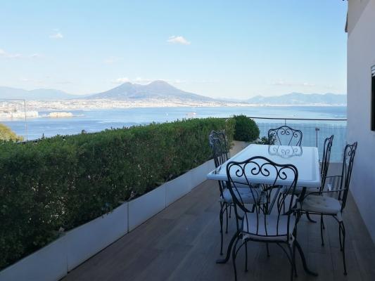Vista dal terrazzo sul golfo di Napoli, ristrutturazione Blu Space Napoli