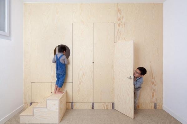 La parete gioco per bambini