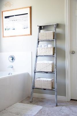 Scala a pioli in bagno, da hoomdecoration.com