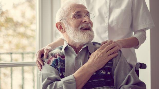Disabili e anziani in casa di riposo: l'esenzione IMU deve stabilirla il Comune