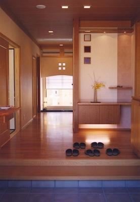Il genkan è la zona ingresso di una casa giapponese in cui lasciare le scarpe