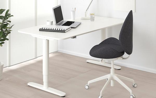 Home office: scrivania BEKANT - Design e foto by Ikea