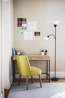 Home office in ingresso: una soluzione pratica e confortevole