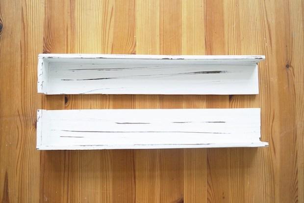 Mensole fai da te con un vecchio vassoio: parte 2, da nur-noch.com