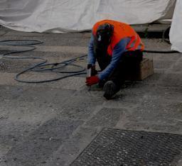 Bocciardatura pavimentazione in basoli