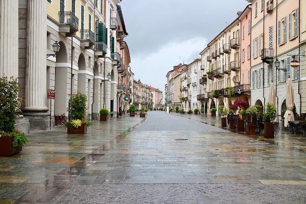 Pavimentazione esterna in pietra naturale nelle opere di architettura