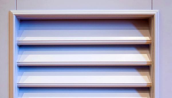 Particolare delle stecche delle persiane alla genovese in legno di Fossati Giuseppe