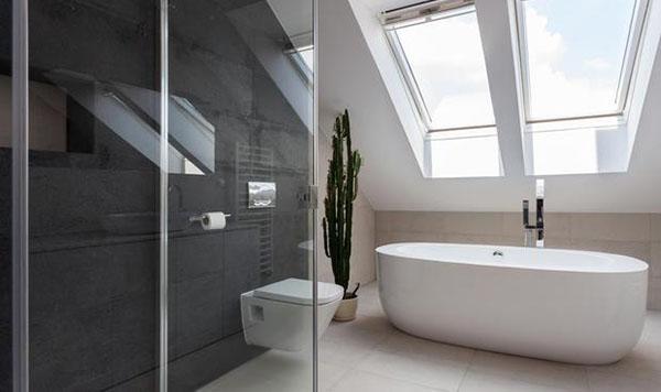 Doccia oppure vasca sono obbligatori nel bagno di un'abitazione