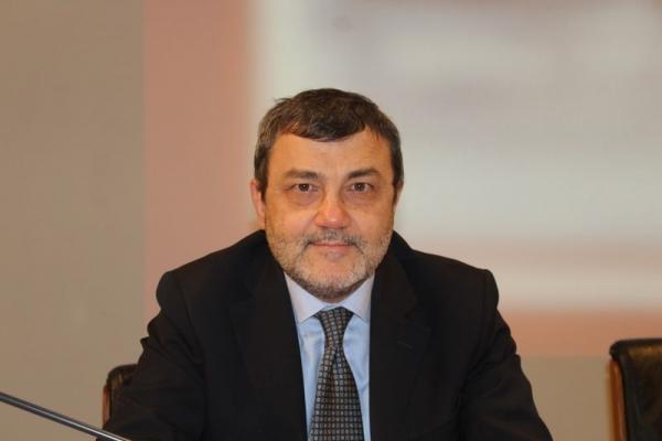 Il Prof. Italo F. Angelillo, da aracneeditrice.it