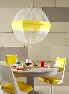 Lampadario con ombrelli rotti Bitrebels.com