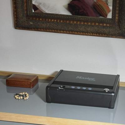 Cassaforte biometrica peruso domestico su Amazon